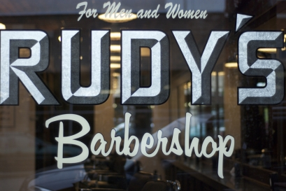 rudys-barbershop-window