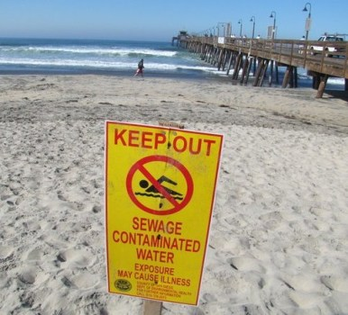 beach contaminated sign