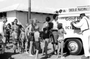 kids at good humor truck