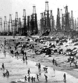 oil wells Huntington BeachA