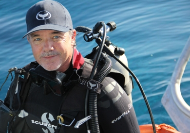 wyland-in-scuba-gear